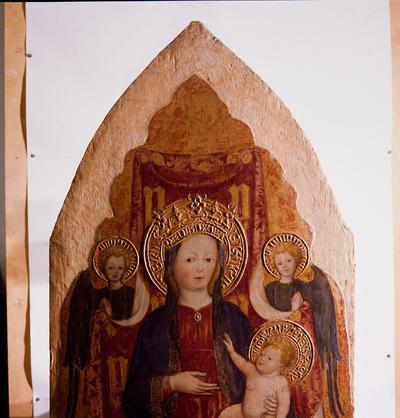 Madonna col Bambino in trono tra angeli