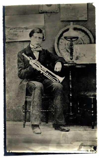 Ritratto di uomo con tromba