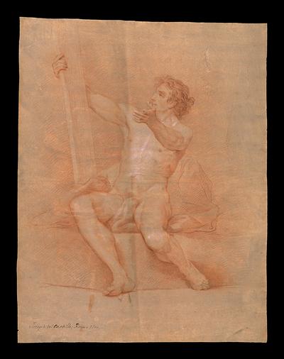 Desnudo masculino sentado de frente sobre un bloque rectangular y asiendo un tablón