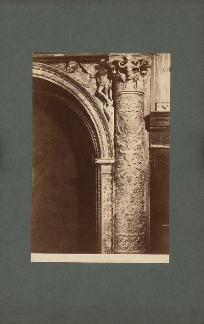 S. Trinita in Florenz. Kandelaber