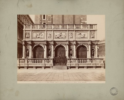 S. Marco in Venedig. Loggetta am Fuß des Campanile