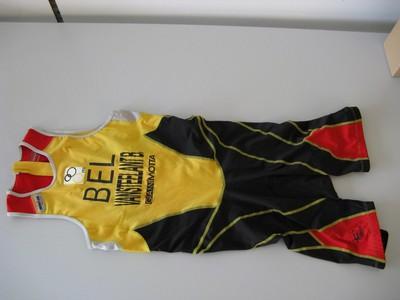 Combiné (eendelig pak) van duatlon-atleet en negenvoudig wereldkampioen Benny Vansteelant.