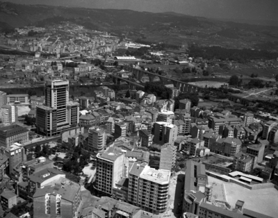 Image from object titled Vista xeral da cidade. Ourense.