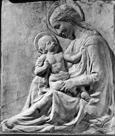 Zittende O.L.Vrouw en Kind