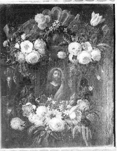 Buste van Christus, omgeven door bloemen