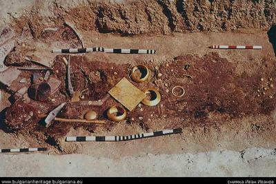 Image from object titled Гроб 4 – символично погребение