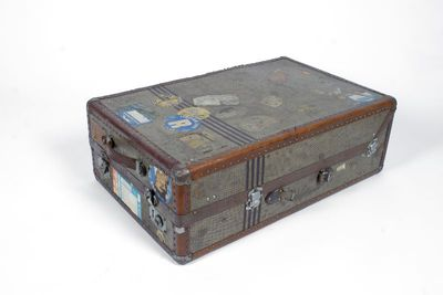 Image from object titled koffert, resekoffert