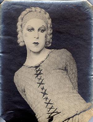 Self portrait as Elle in Barbe Bleu