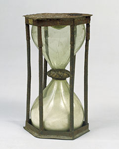 Image from object titled Hourglass (Inv. 138)