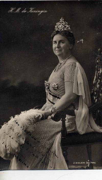 H.M. Koningin met opdracht