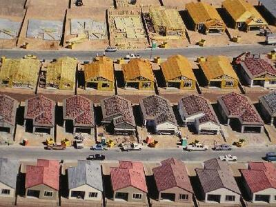 Housing Development in Different Steps - Fotografía