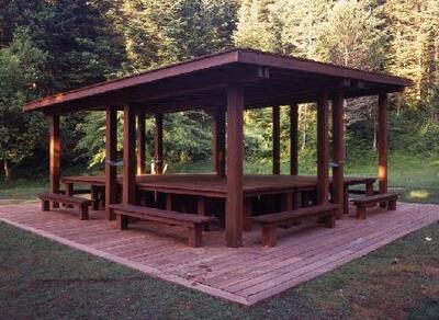 Mesa de picnic para Huesca - Escultura pública