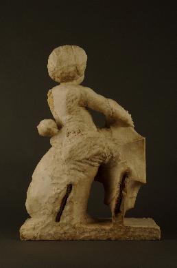 Ángel tenante con escudo de armas de Avellaneda - Fragmento de sepulcro
