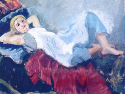Femeia pe sofa
