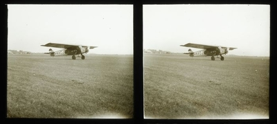 Image from object titled Stereo glasdia van vertrekkend vliegtuig van de KLM te Rotterdam in 1928