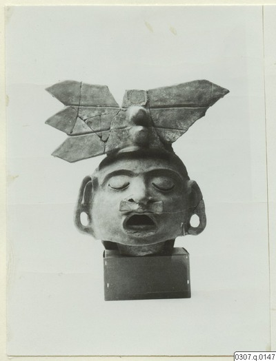 Image from object titled skulptur, figur, Xipe Totec, fotografi, photograph@eng