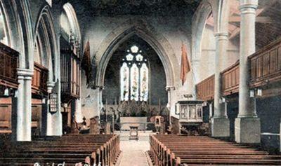 A postcard of the interior St Giles' church.