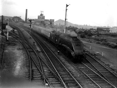 Passenger train, pulled by steam locomotive 60029, passing Lofthouse colliery. Courtesy of the National Railway Museum. See www.nrm.org.uk for information on how to obtain a print of this image.