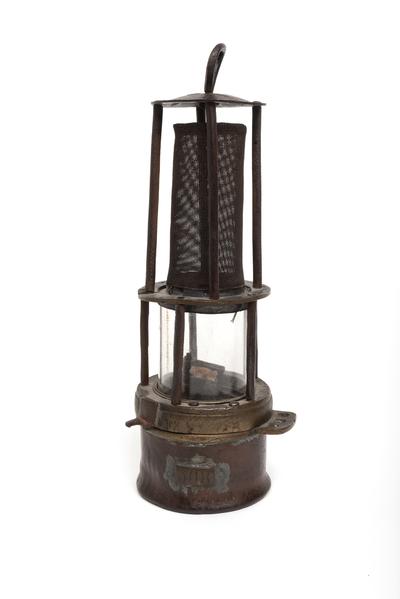 Image from object titled De mijnlamp van mijn opa
