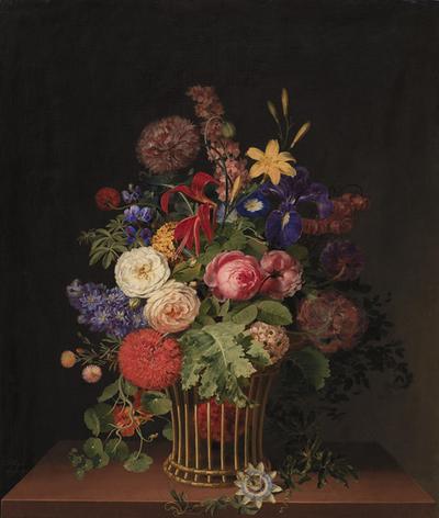 En let rørkurv med blomster