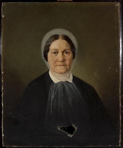 Portret starszej pani w białym szalu na głowie