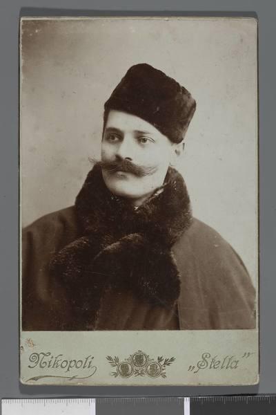 Portret Ludwika Hellera (1865-1926), reżysera, dyrektora teatru (popiersie)