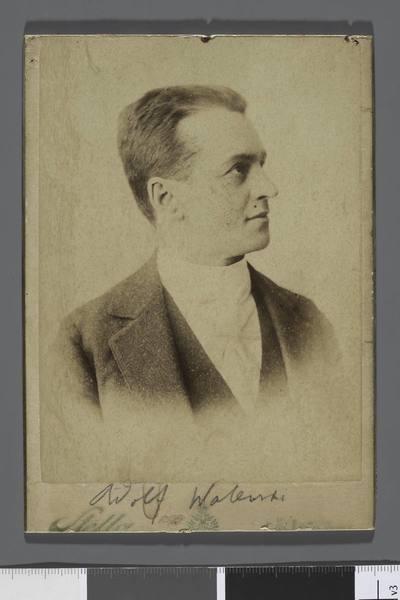 Portret Adolfa Walewskiego (1852-1911), aktora i reżysera (popiersie z profilu)