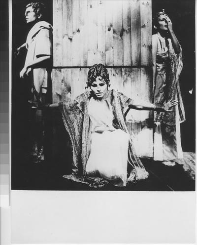 Oidipus - Antigone, 1971, Divadlo za branou Praha 65-72
