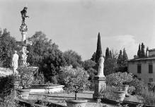 Herkules- und Antäusbrunnen