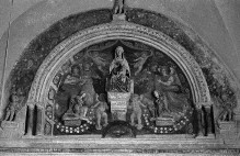 Altar der Madonna del Rosario — Lünette mit Madonna und Engeln