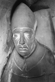 Grabmal des Erzbischofs Giovanni Scherlatti — Liegefigur des Erzbischofs Giovanni Scherlatti