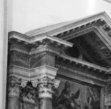 Altar der heiligen Dreifaltigkeit — Trinität mit Heiligen
