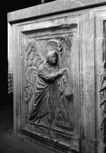Altar — Seitenteile: Engel mit Weihrauchgefäßen
