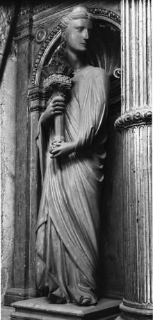 Altar — Rechter Engel mit Kandelaber