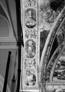 Christologischer Zyklus — Bogenleibung: weibliche Heilige