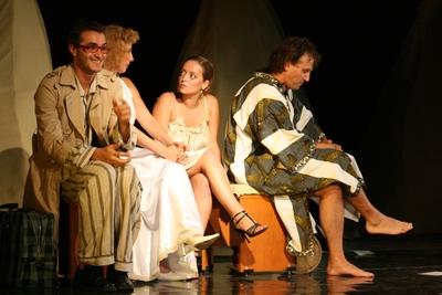 """Spectacol de teatru """"Hai sa facem sex"""". Arta Culturii; Theater """"Let's have sex"""". Art Culture"""