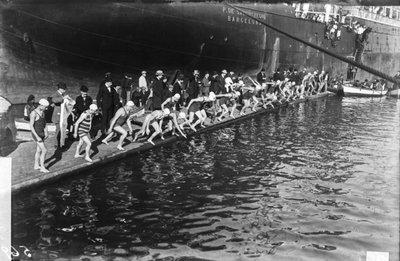 Image from object titled Copa Nadal de natació al Port de Barcelona.