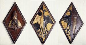 Drei Wappenschilde der England-, Bergen- und Nowgorod-fahrer