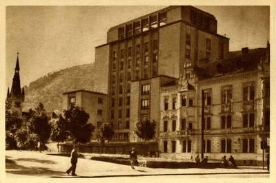 "Image from object titled Oraşul Stalin : hotel ""Carpaţi"" [material iconografic]"