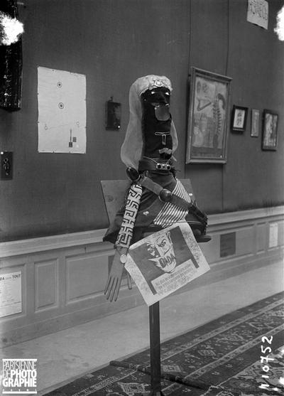 Exposition dadaïste, Galerie Montaigne, à Paris