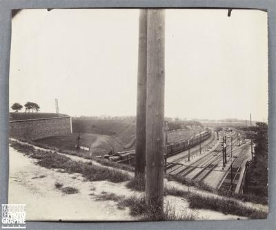 Porte de bercy, chemin de fer de lyon mediterranee, la sortie de paris, boulevar poniatewski, 12eme arrondissement, paris