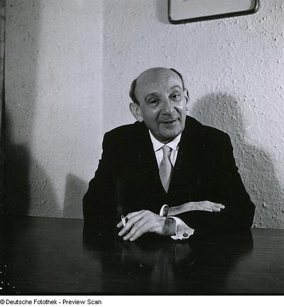 Portraitserie Max Tau