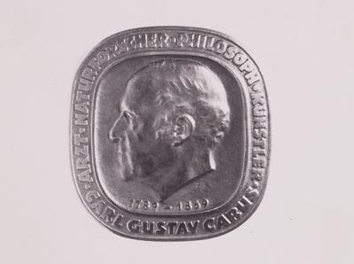 Plakette Carl Gustav Carus (Mittelstück der Amtskette des Rektors der Medizinischen Akademie Dresden)
