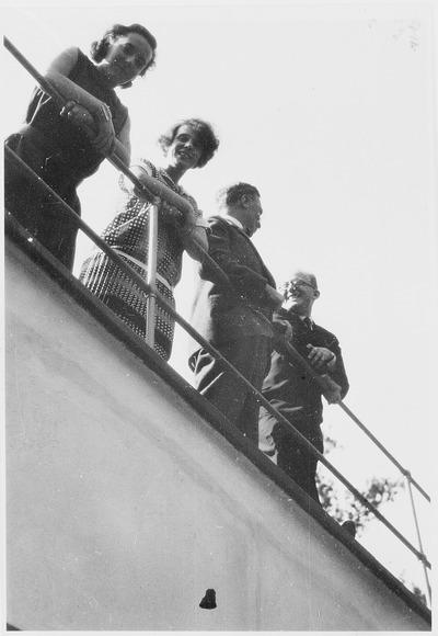 Palucca, Nina und Wassili Kandinsky auf dem Dach eines Meisterhauses in Dessau