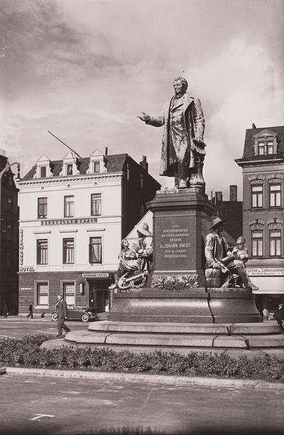 Bürgermeister-Smidt-Denkmal