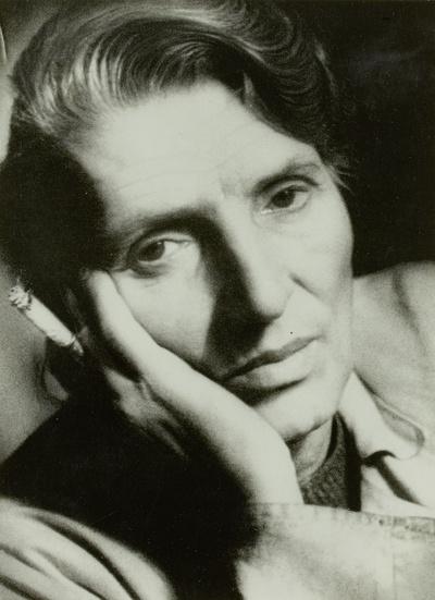Sintenis, Renée