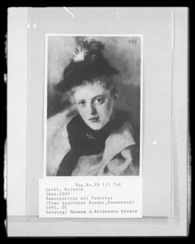 Damenporträt mit Federhut (Frau Apotheker Rieder, Rosenheim)