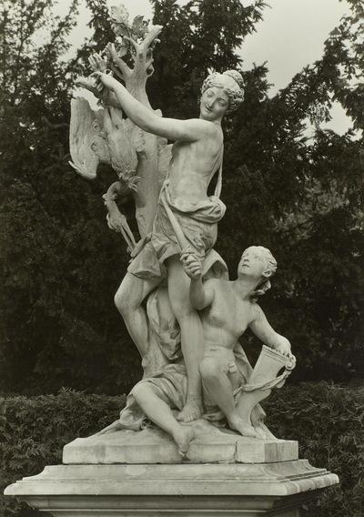 Minerva; Französisches Figurenrondell