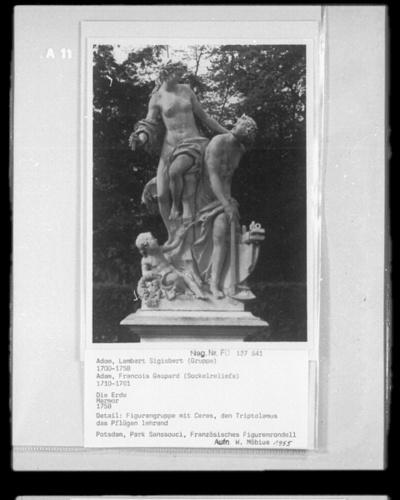 Jupiter und Io; Französisches Figurenrondell