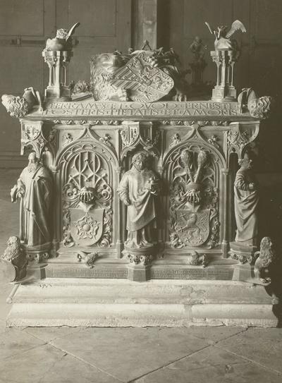 Tumba des Erzbischofs Ernst von Sachsen (gestorben 1513)